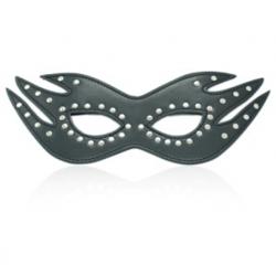Čierna maska s kovovým zdobením